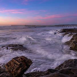 Rough Seas in OB by Scott Cunningham