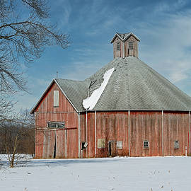 Round Barn 710 Wabash County, Indiana by Steve Gass