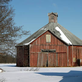 Round Barn 711 Wabash County, Indiana by Steve Gass