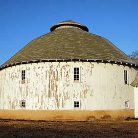 Round Barn 83 Alexandria, Indiana by Steve Gass