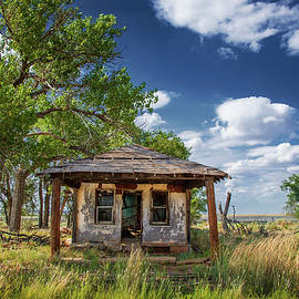 Route 66 Gas Station, Glenrio, New Mexico, 2018 by Michael Chiabaudo