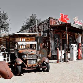 Route 66 Roadtrip - Hackberry General Store by Matt Richardson