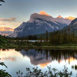 Rundle Sunset by Michael Morse