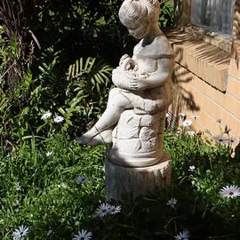 Ruth's Garden by Alison A Murphy