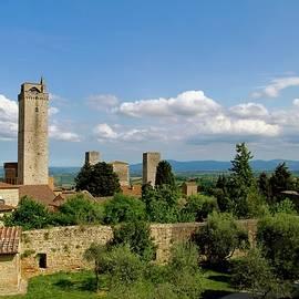 San Gimignano, Tuscany, Italy. by Joe Vella