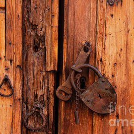San Miguel Lock and Chain by Bob Phillips