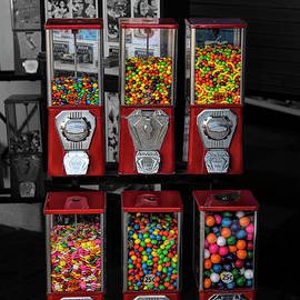 Santa Monica Candy Machines SC by Elisabeth Lucas
