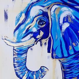 Sea elephant - gilded by Bozhidara Stoeva - Georgieva