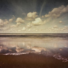 Seascape by Gregor Servais