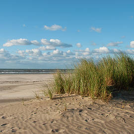 Seaside happiness at the North Sea by Juergen Hess