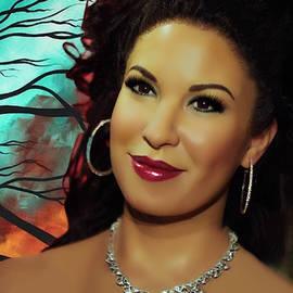 Selena queen of Tijuana by Karen Showell