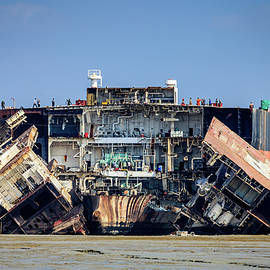 Ship breaking in Chittagong by Alexey Stiop