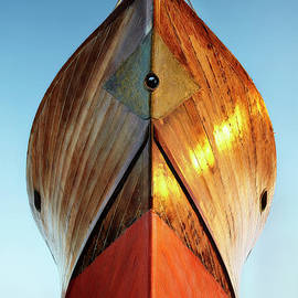 Ship Hull by Facto Foto