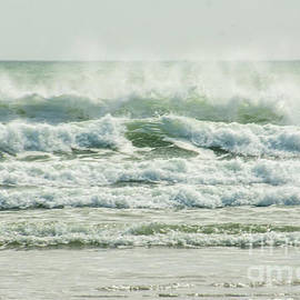 Small Windy Waves by Ruth H Curtis