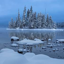 Snow on Lake Wenatchee by Lynn Hopwood