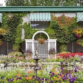 Splendid Garden View by Marilyn Cornwell