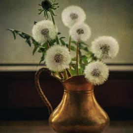 Spring bouquet by Jaroslaw Blaminsky