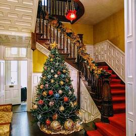 Staircase to Christmas  by Lisa Lindgren