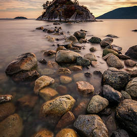 Stepping stones to Whyte Island by Pierre Leclerc Photography