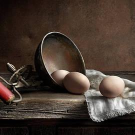 Still Life w/ Eggs by Allan Mendez