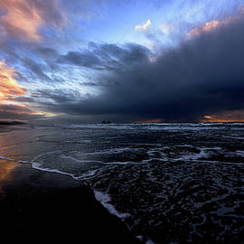 Storm Approaching at Rockaway Beach by Johanna Froese