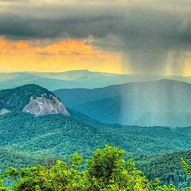 Stormy Weather at Looking Glass by Blaine Owens Photography
