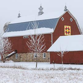 Stratton Barn  by Jeremy W Riehle