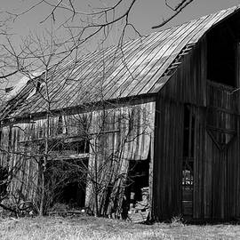 Summit Road Barn BW by Jeff Roney