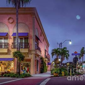 Sunbug Building in Venice, Florida by Liesl Walsh