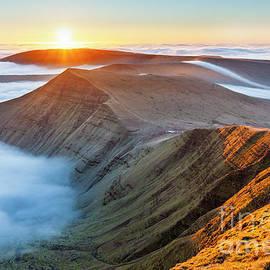 Sunrise over Cribyn, from Pen y Fan by Justin Foulkes