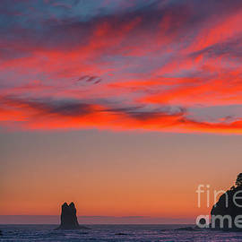 Sunset at La Push Beach by Henk Meijer Photography