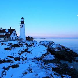 Sunset at the Portland Head Lighthouse in Cape Elizabeth, Maine by Lisa Cuipa