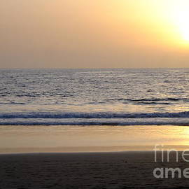 Sunset in Bali by Mini Arora