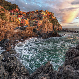 Sunset in Manarola by Giovanni Laudicina