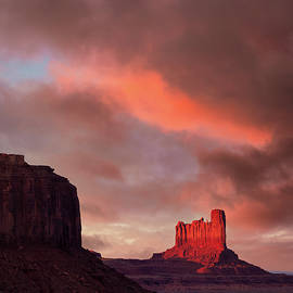 Sunset in Monument Valley by Dave Bowman