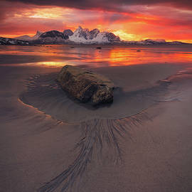 Sunset Madness in Steinsvika by Tor-Ivar Naess