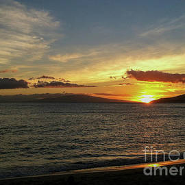 Sunset of Maui by Stephanie Hanson