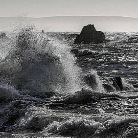 Surf Action at Sail Rock QHSP by Marty Saccone