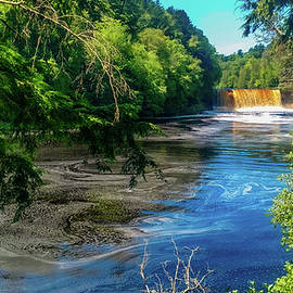 Tahquamenon Upper Falls IV by Christopher Cagney