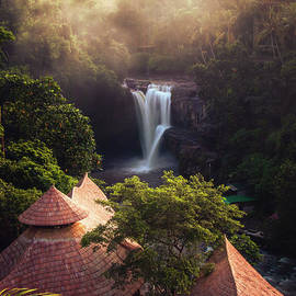 Tegenungan Waterfall, Bali by Josh Kathey