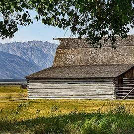 Teton barn by Dwight Eddington