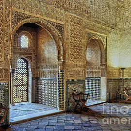 The Alhambra King room. Details. West wall. by Guido Montanes Castillo