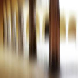 The blurred Arcades by Imi Koetz