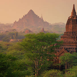 the great temples of Bagan by Josh Kathey