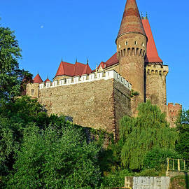 The Hunyadi Castle seen from northeast by Tibor Tivadar Kui