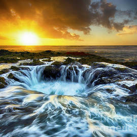 The Magic Of Thor's Well  by Bob Christopher