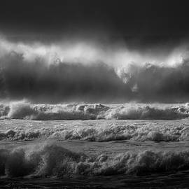 The Power Of Sea by Paulo Viana