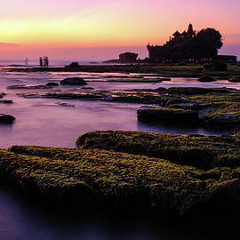The Temple By The Sea - Tanah Lot Sunset, Bali