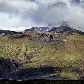 Tiny Hikers in Iceland by Francis Sullivan