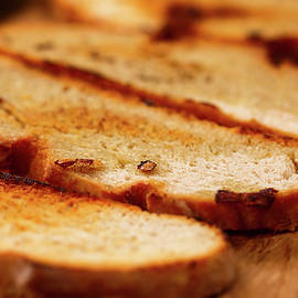 Toasted bread with olive oil by Ivan Mikhaylov